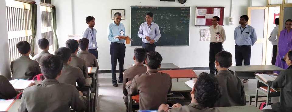 Hon'ble Tribal Secretary, Shri R C Meenasir visited the Eklavya Model Residential School, Khodada, Tapi